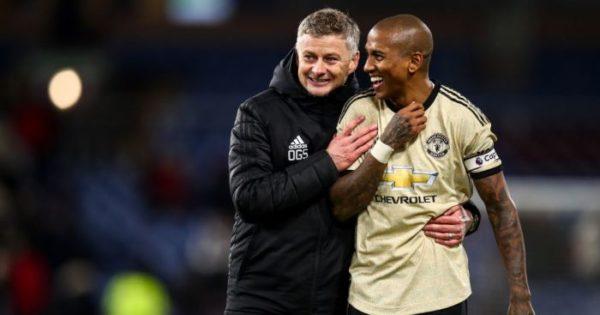 Man Utd เริ่มต้น 'บทสนทนา' ขณะที่พวกเขากลับมาอีกครั้งสำหรับกองกลาง€ 70m
